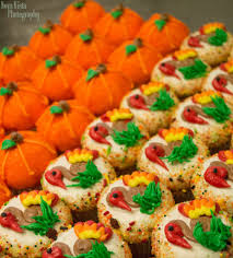 100 thanksgiving themed cupcakes the nut 2 nutty by
