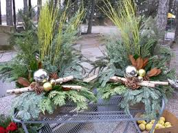 Christmas Decorations Garden Centre by 12 Best Christmas Urns Images On Pinterest Christmas Urns