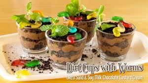 dirt cups with worms oreo sand u0026 chocolate custard cream みみず