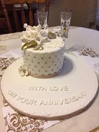 winnie the pooh baby shower cake winnie the pooh baby shower cake with mini cupcakes picture of