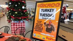 turkey tuesday krcg 13 hy vee partner to feed needy families krcg