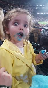 Little Girl Face Meme - little girl steals show at seattle mariners baseball game as she