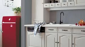 comment relooker une cuisine ancienne relooking cuisine facile repeindre les meubles crédences sol