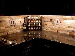 Modern Kitchen Stone Backsplash Stacked With Black Marble Desk - Rough stone backsplash