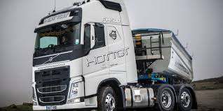 2017 volvo tractor new volvo fh tractor units are gateway to more transport monthly