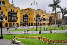 the plaza de armas in lima