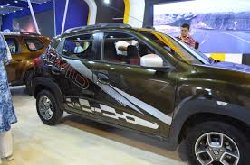 land rover nepal renault kwid 1 0l right side at nepal auto show 2017 indian