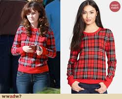 plaid sweater zooey deschanel s plaid sweater on the set of wwzdw