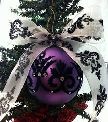 amazingly gorgeous purple decorations to add