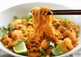cuisiner des pates chinoises nouilles chinoises aux crevettes avec thermomix recette thermomix