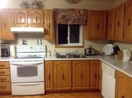 repeindre cuisine chene meuble cuisine en chene repeindre meuble cuisine bois 5 moderniser