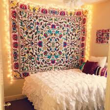 Wall Tapestry Ikea by Bohemian Bed Decor 26 Best Wall Decor Ideas For More Modern