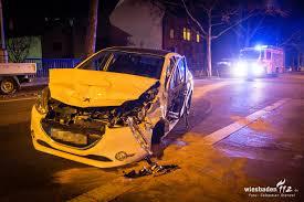 Jugendfeuerwehr Wiesbaden112 De Ungewöhnlicher Verkehrsunfall Mit Zwei Verletzten Auf Der