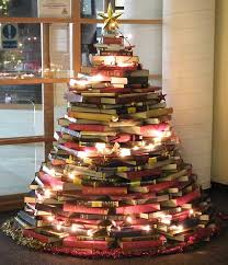 unconventional christmas tree tips for a modern vacation theme