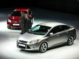 2011 chevrolet cruze vs 2012 ford focus from the inside out