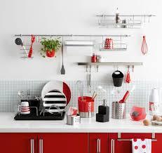 barre credence cuisine rangement cuisine déco mural pratique decoration and kitchens