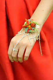 How To Make A Corsage Wristlet Corsage Creations Blog