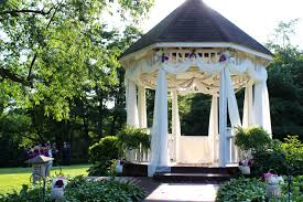 Gazebo Curtain Ideas by Wedding Curtains On The Gazebo