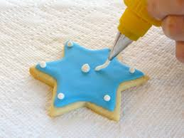 Decorating Icing For Cookies How To Decorate Sugar Cookies With Royal Icing Cookie Tutorial