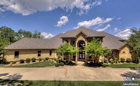 10 000 square foot lakefront mansion in conway ar homes of the rich