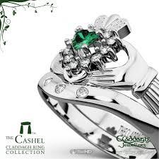 claddagh set cashel emerald white gold claddagh wedding set
