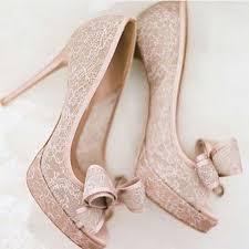 wedding shoes perth via nossosnoivados sapato delicado e lindo tanto para um noivado