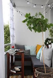 kleine balkone der kleine balkon in weiß 20 wunderschöne ideen freshouse