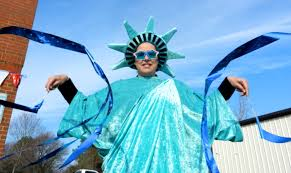 lady liberty costumed mama
