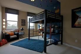 chambre fille avec lit mezzanine le lit mezzanine règne dans la chambre d enfants