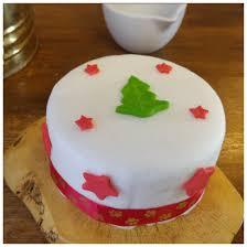 woof u0027s honey u0026 vanilla sponge christmas cake 22 49 woofs