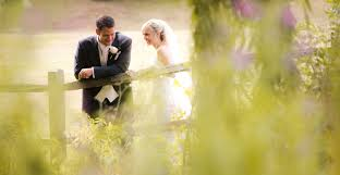 wedding photographers the trends in wedding photography with image newphoto