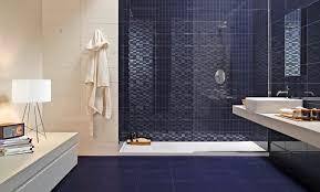 badezimmer dunkelblau uncategorized geräumiges badezimmer dunkelblau ebenfalls