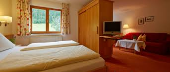 3 Star Hotel Bedroom Design Rooms And Suites 4 Star Hotel Bradabella Gargellen