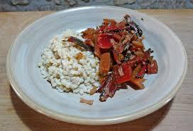cuisiner des cotes de blettes poêlée de côtes de blettes rouges et orge perlé crémeux loetitia