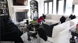 khloe kardashian bedroom khloe kardashian brings camera to her thanksgiving dinner daily on