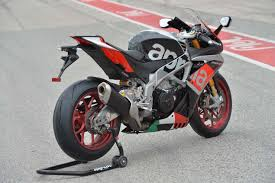 aprilia rsv4 motorcycles wallpapers ride review aprilia rsv4 rf asphalt u0026 rubber