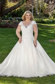 sle sale wedding dresses 27 best plus size wedding dresses images on wedding