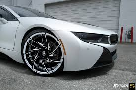 matte white bmw white bmw i8 savini forged wheels sv62d black with white accents