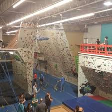 hoosier heights indianapolis bloomington indianas climb time indy 34 photos 41 reviews rock climbing 8750