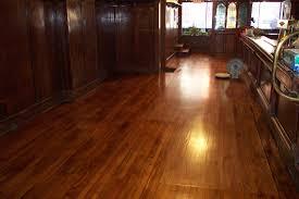 What Color Laminate Flooring Laminate Floor Refinishing Assetswood Flooring Wood Cream Idolza