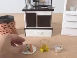 cuisine miniature faire à manger dans une cuisine miniature par zap actu