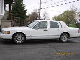 Lincoln Town Car Pictures 1992 Lincoln Town Car Photos And Wallpapers Trueautosite
