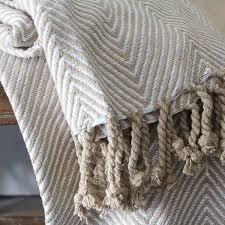 plaid beige canapé plaid indien en coton artisanal déco indienne par pankaj e boutique