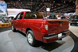 2017 nissan titan crew cab chicago auto show first look nissan titan king cab is built for