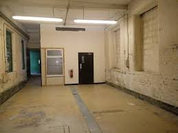 workshop unit with office 800 square feet in stockport