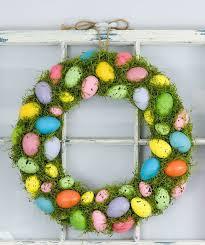 how to make an easter egg wreath 29 easter egg inspired diy ideas