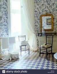 Blue And White Bathroom by Blue White Chequer Board Vinyl Floor In Country Bathroom With
