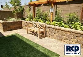 Backyard Wall Photo Gallery Landscape Wall Idea Gallery Country Manor