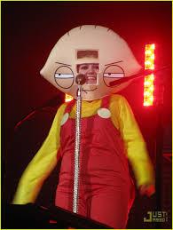 Family Guy Halloween Costume Kelly Clarkson U0027s Halloween Costume Stewie Griffin Photo 2327131