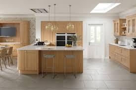 kitchen design cambridge cambridge oak kitchen doors doors and handles uk